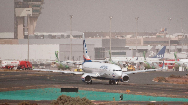 Transportes reabre los vuelos en Canarias y Baleares y flexibiliza el uso del coche