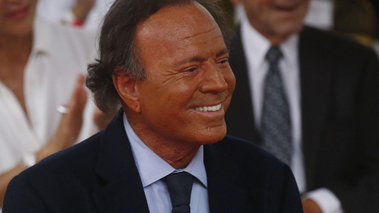 """Julio Iglesias, sobre Enrique y sus nietos: """"Lucy es muy Iglesias, el niño es más ruso"""""""