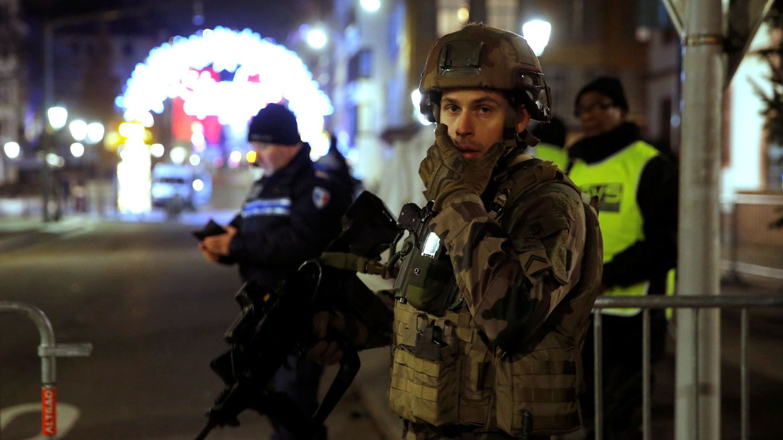 Marine Le Pen tilda de matanza islamista el ataque, May se declara impactada
