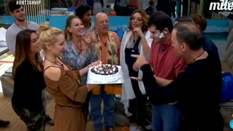 Julián Contreras celebra su 30 cumpleaños en 'GH VIP 4'