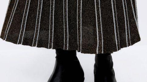 Sabemos por qué esta falda midi de Uterqüe es uno de sus superventas en las rebajas