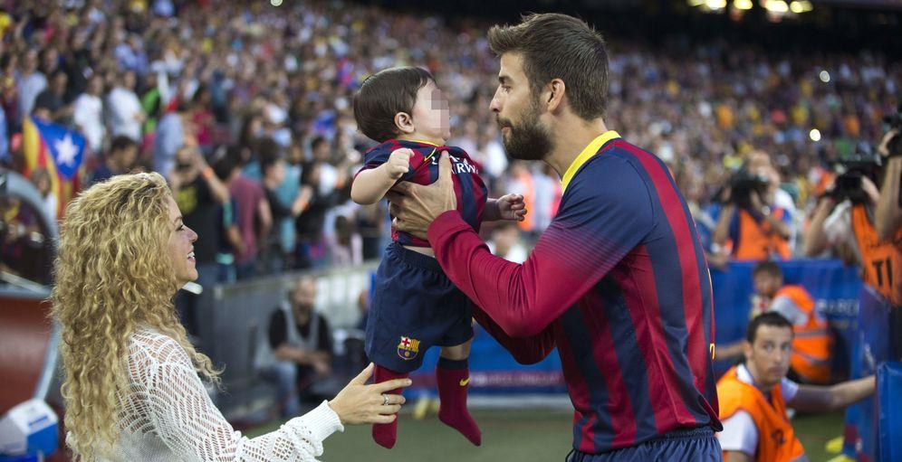 Foto: Shakira y otras 'wags' del Barça felicitan a sus chicos por la victoria en la Liga