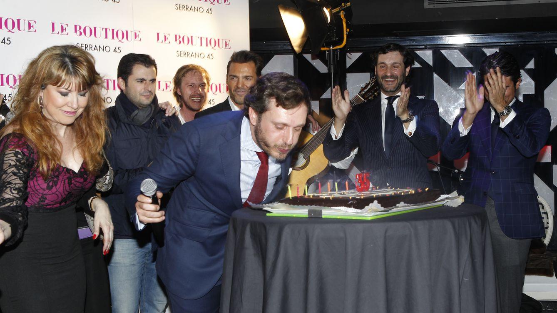 Foto: Juan Peña celebra su cumpleaños rodeado de amigos