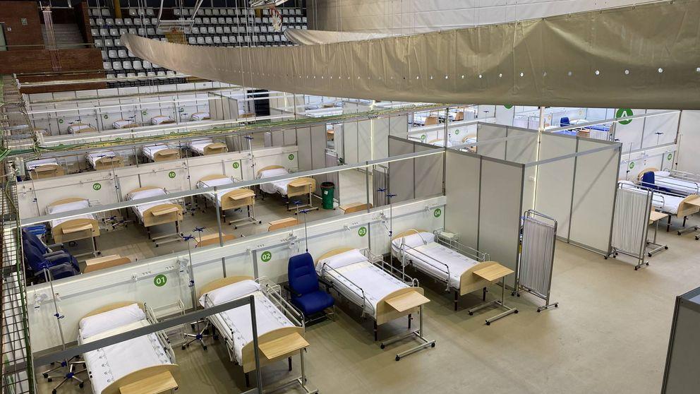 Andalucía prevé mantener un hospital para covid-19 por la llegada de migrantes en patera