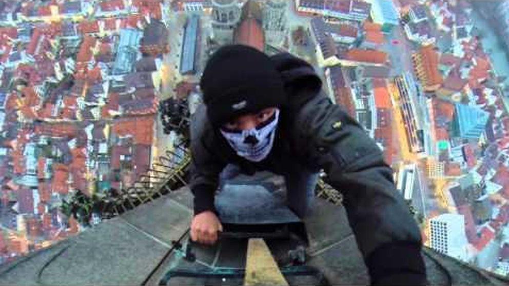 'Selfies' y vídeos aterradores grabados en los rascacielos más altos del mundo