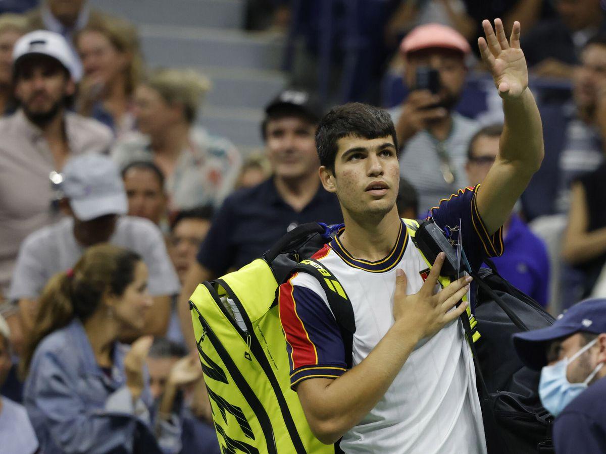 Foto: Carlos Alcaraz se despide del público del US Open. (Reuters)
