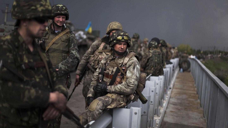 Militares del Ejército ucraniano en las inmediaciones de Odesa, en el este del país (Reuters).
