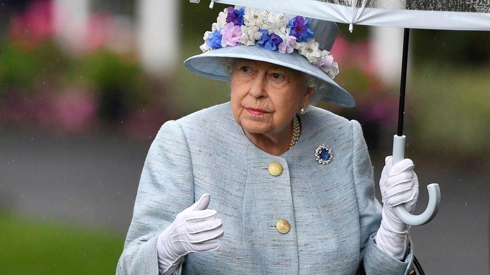 Isabel II retira una foto de Harry y Meghan de Buckingham (pero no es la primera vez)