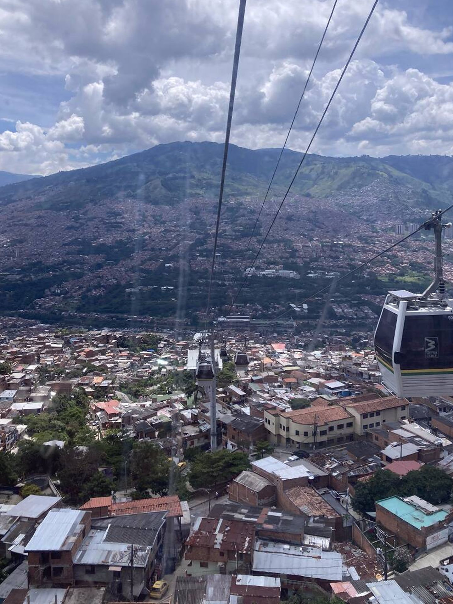 El transporte público (incluído un servicio de bicicletas gratuito) está convirtiendo Medellín en un referente de sostenibilidad para América Latina. Foto: Marta Montojo