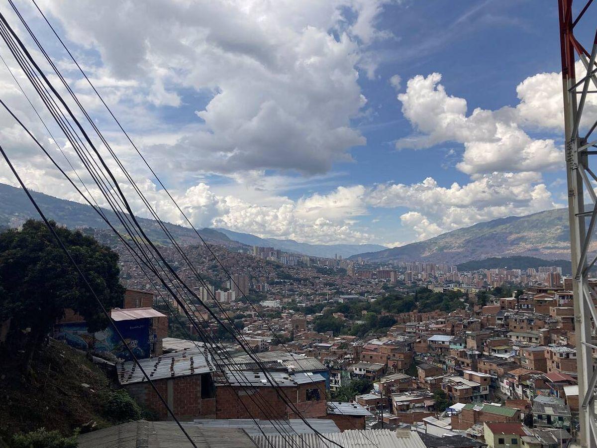 Foto: vista de Medellín desde 'La Comuna' uno de los barrios más populares. Foto: Marta Montojo