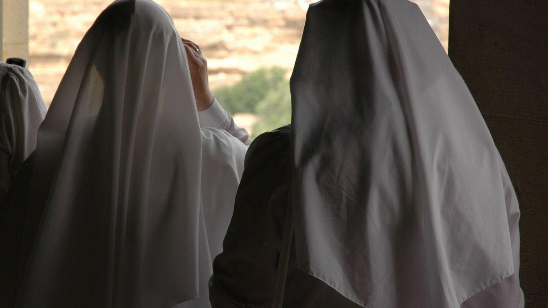 Una monja frena un 'simpa' de tres jóvenes en Sevilla y les da toda una lección