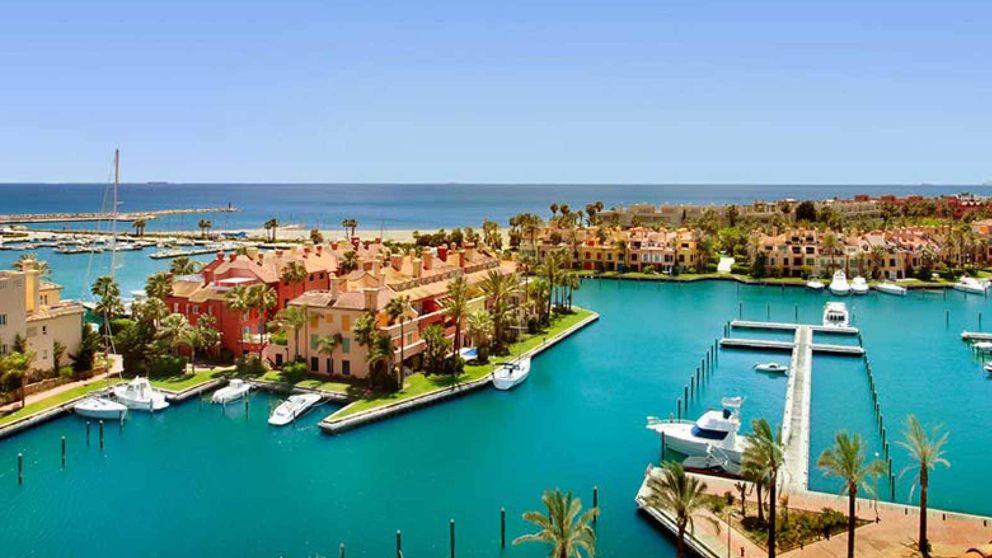 Andalucía consuma el desafío y permitirá el pelotazo de los puertos al darles 75 años