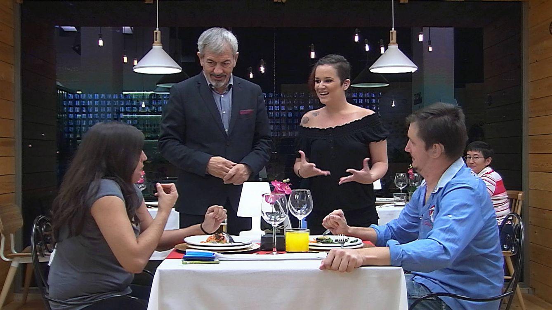 Foto: Fdeja y Rocío, en su particular cita a ciegas de 'First Dates' (Mediaset España)