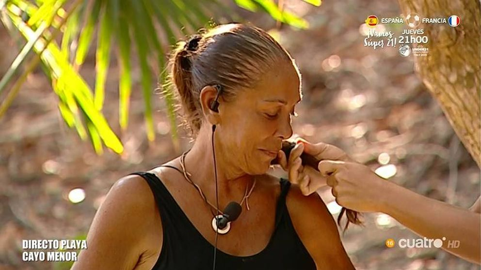 Isabel Pantoja se corta el pelo por tinte y comida en 'Supervivientes 2019'