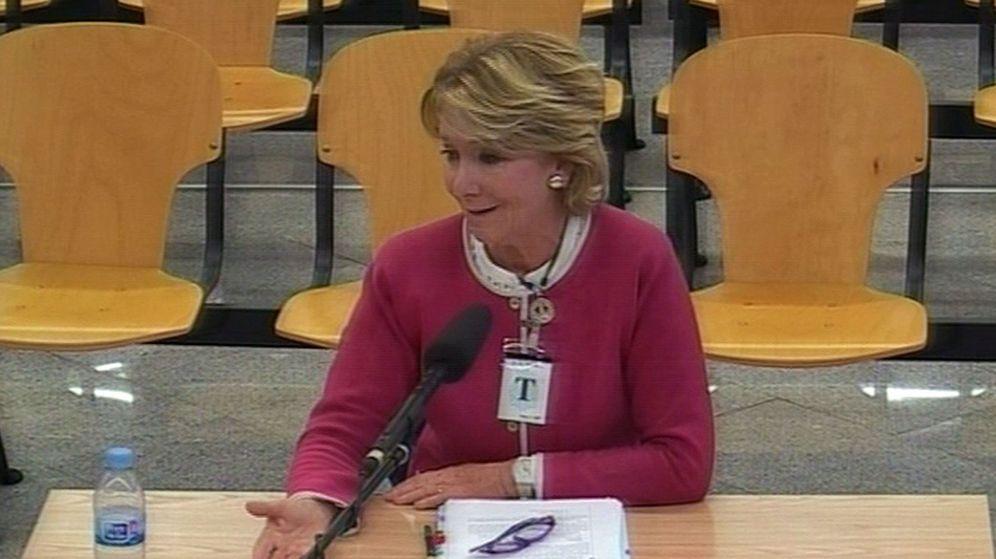 Foto: Imagen de la declaración de Esperanza Aguirre como testigo de Gürtel. (EFE)
