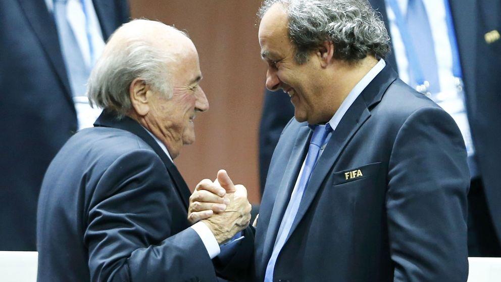 La FIFA suspende ocho años a Joseph Blatter y Michel Platini