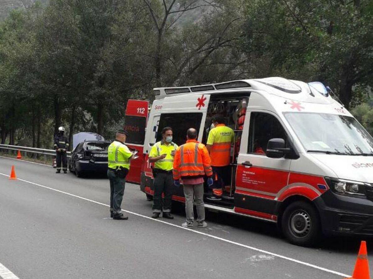 Foto: Imagen de un accidente en carretera. Foto: 112 Asturias