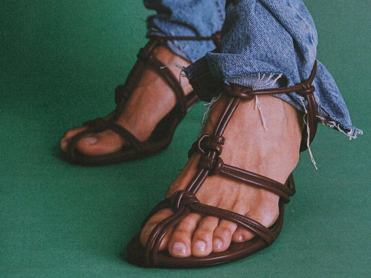 Foto: Sandalias de tiras de Zara. (Cortesía)