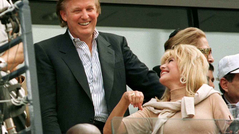 Foto: Donald Trump y su entonces mujer, Ivana, en 1997 (Reuters)