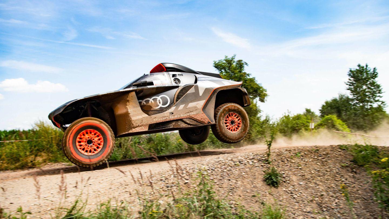 Audi contará con tres unidades del RS Q e-tron en el Rally Dakar 2022, pilotadas por Sainz, Peterhansel y Ekström.