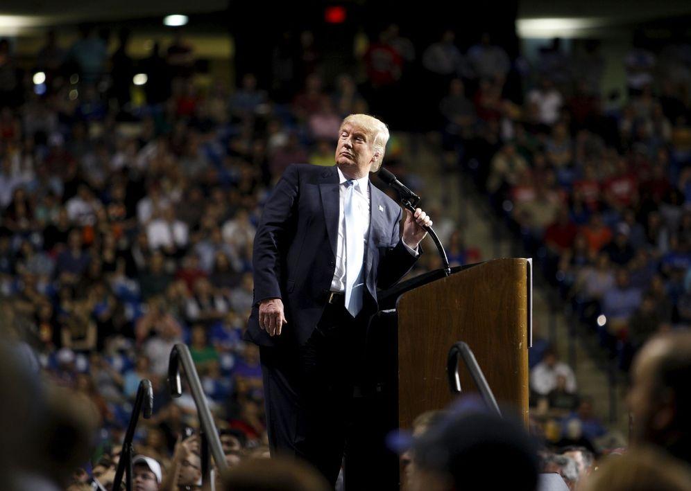 Foto: El candidato a la nominación republicana Donald Trump durante un mitin en Fayetteville, Carolina del Norte, el 9 de marzo de 2016. (Reuters)