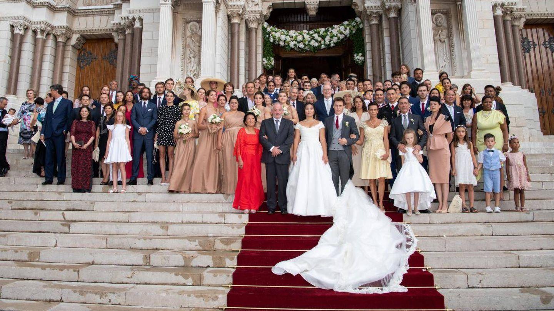 Posado familiar tras la boda de Louis Ducruet y Marie Chevallier. (Palacio de Mónaco)
