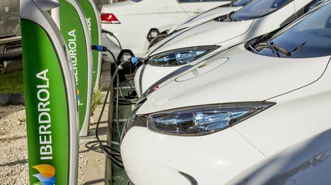 Iberdrola se une a Ballenoil para recargar el vehículo eléctrico en sus gasolineras
