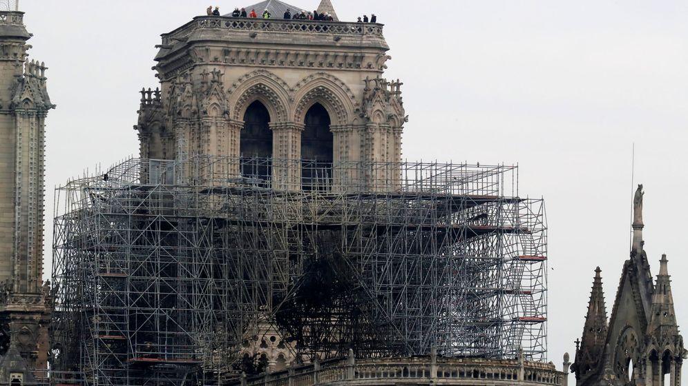 Foto: Los efectos del fuego en la catedral de Notre Dame. (Reuters)
