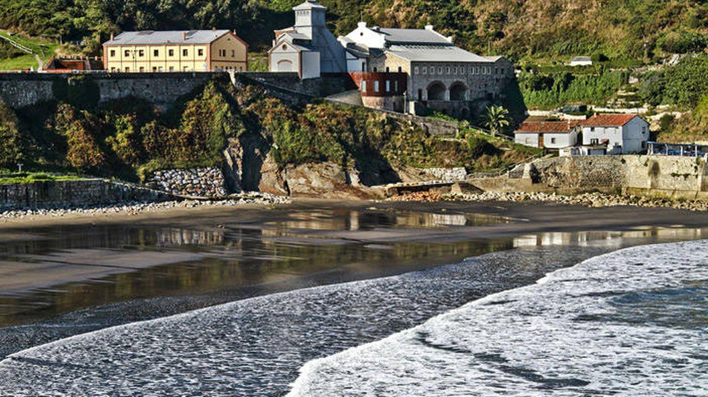 Playa de Arnao. (Cortesía de Turismo de Asturias)