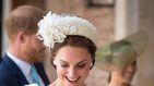 Kate Middleton reaparece blanca y radiante en el bautizo del príncipe Louis