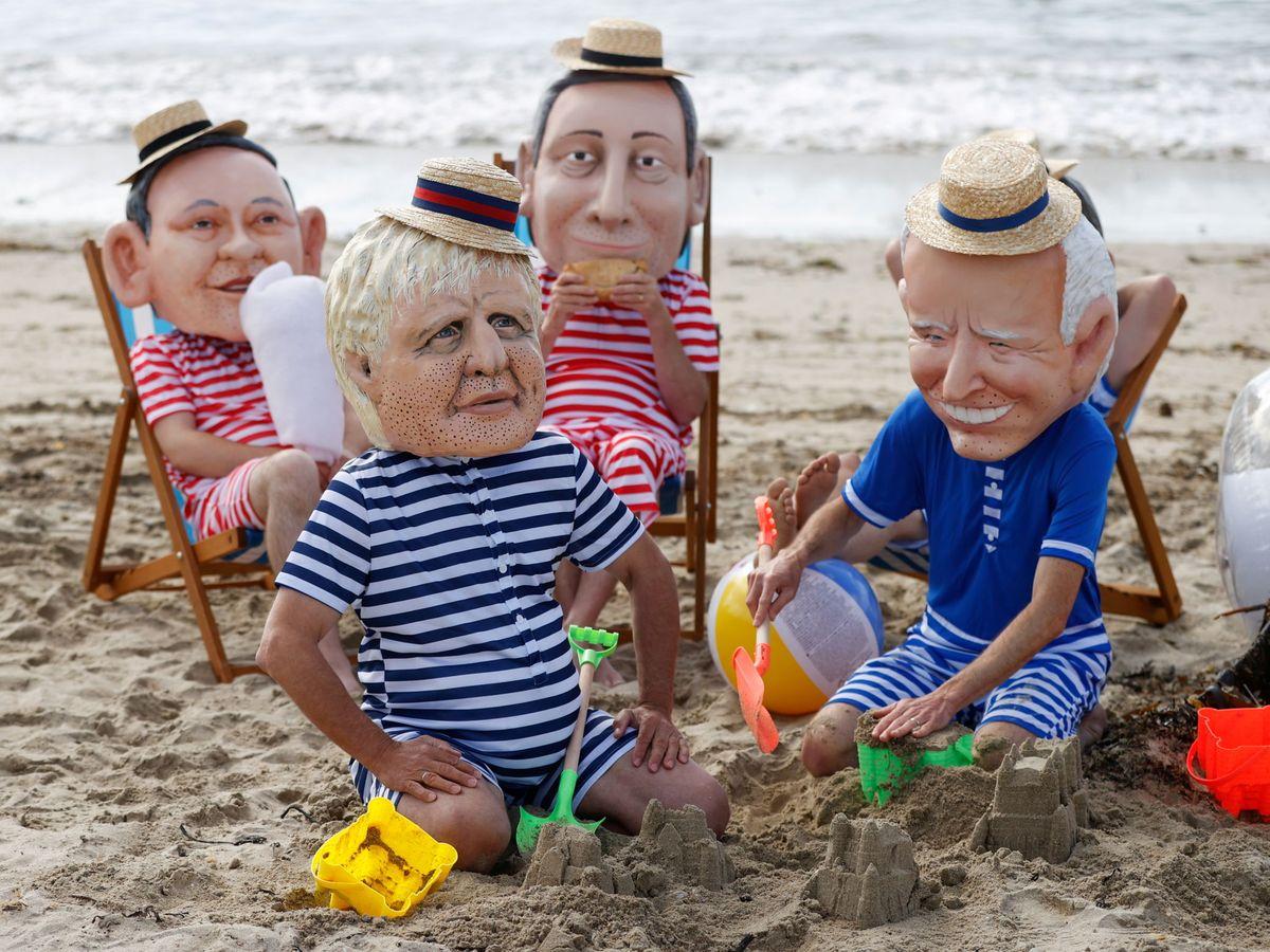 Foto: Una protesta del G7 este junio. El primero a la derecha, Boris Johnson. (Reuters)