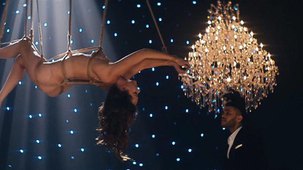 Dakota Johnson, desnuda y atada para un videoclip