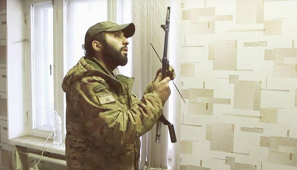 Foto: Benjamin F., el 'yonki de la guerra' austriaco que se aburría en casa. (FOTO: Belsat TV interview)