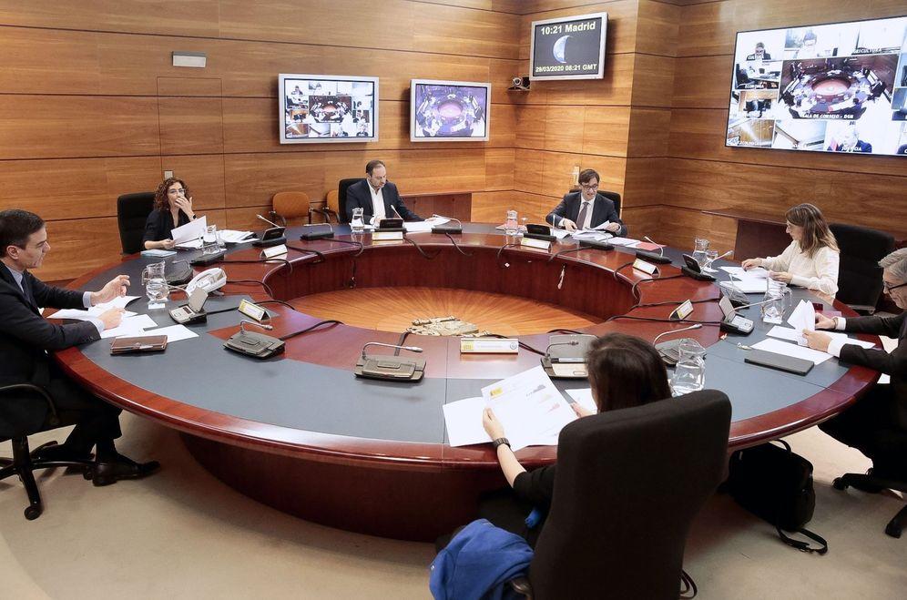 Foto: Pedro Sánchez preside el Consejo de Ministros de este 29 de marzo en la Moncloa. (EFE)