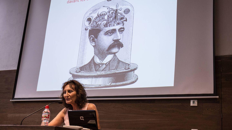 La psicóloga clínica Neus Rossell, durante su ponencia. (D. B.)