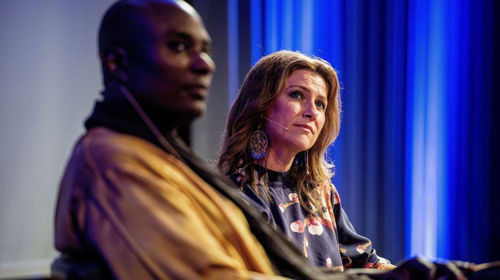 Foto: Durek Verrett y la princesa Marta Luisa de Noruega. (EFE)