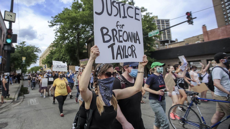 La Fiscalía quiso inculpar a Breonna Taylor por drogas en un acuerdo con su novio