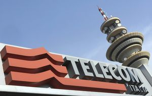 Telefónica refuerza su estrategia en Brasil y se plantea salir de Italia