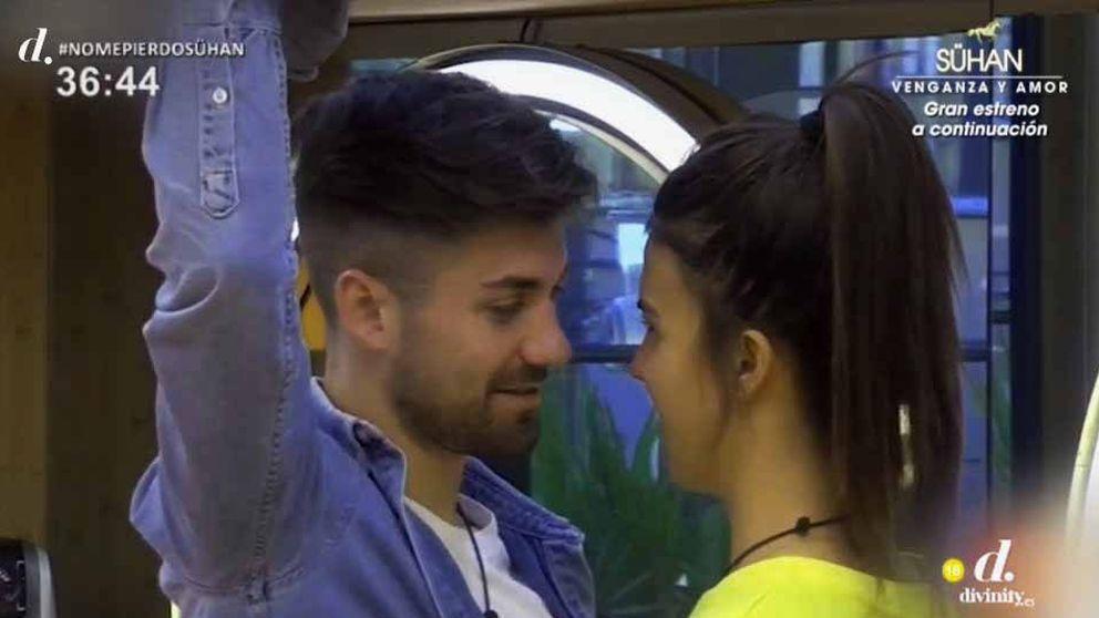 'GH Dúo': Sofía Suescun y Alejandro Albalá, a punto de besarse