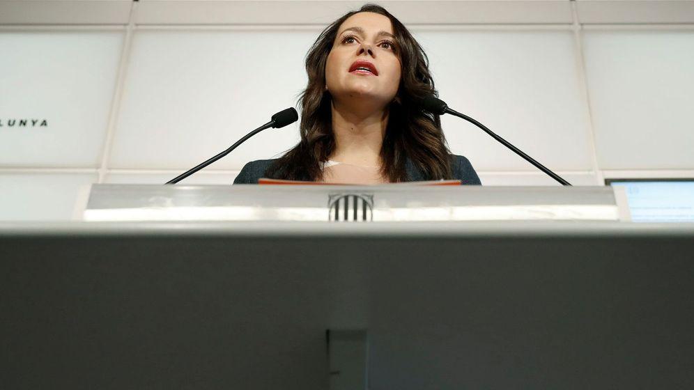 Foto: La líder de Ciudadanos (Cs) en Cataluña, Inés Arrimadas, en el Parlament. (EFE)