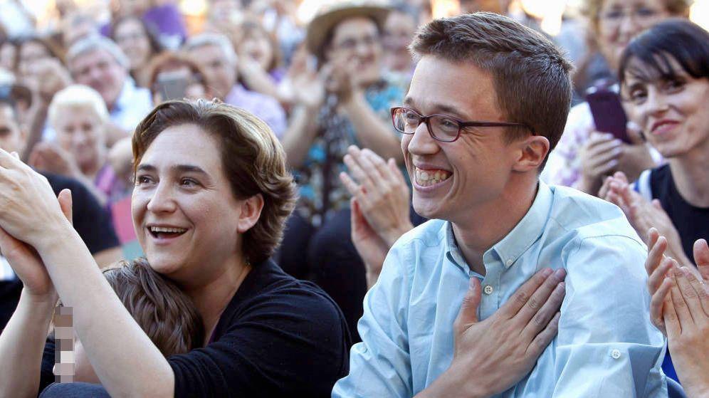 Foto: Íñigo Errejón, junto a la alcaldesa de Barcelona, Ada Colau, durante un mitin en las elecciones generales del 26-J. (EFE)