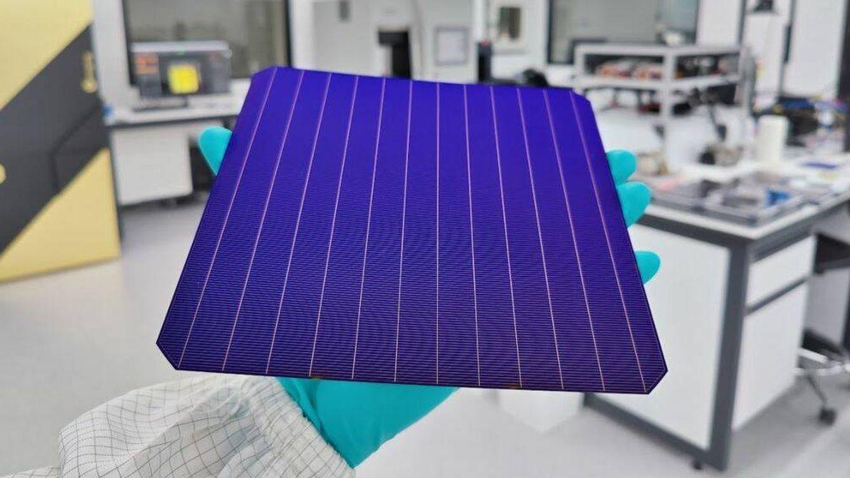 Foto: La placa solar comercial más efficiente del mundo. (SunDrive)
