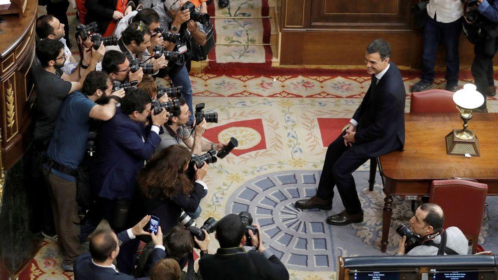 Sánchez estudia un Gobierno paritario con Calvo de dos y Robles con cartera de peso