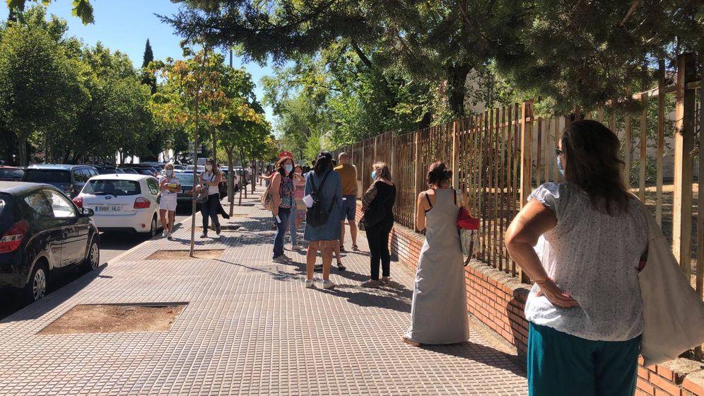 Foto: Las colas de hoy en el IES María Zambrano de Leganés.