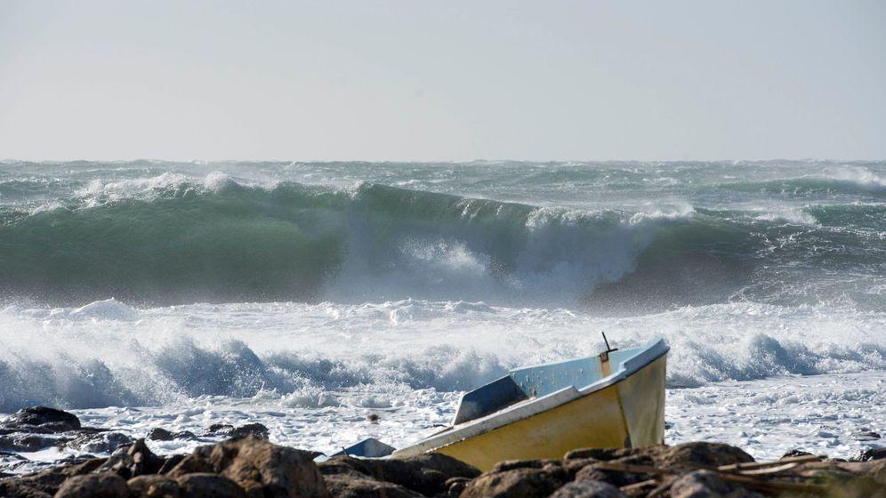 Foto: Vista del temporal en Biniancolla, perteneciente al municipio de Sant lluís, (Menorca) (EFE)