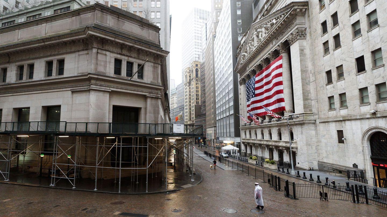 Wall Street, en Nueva York, casi desierta. (Reuters)