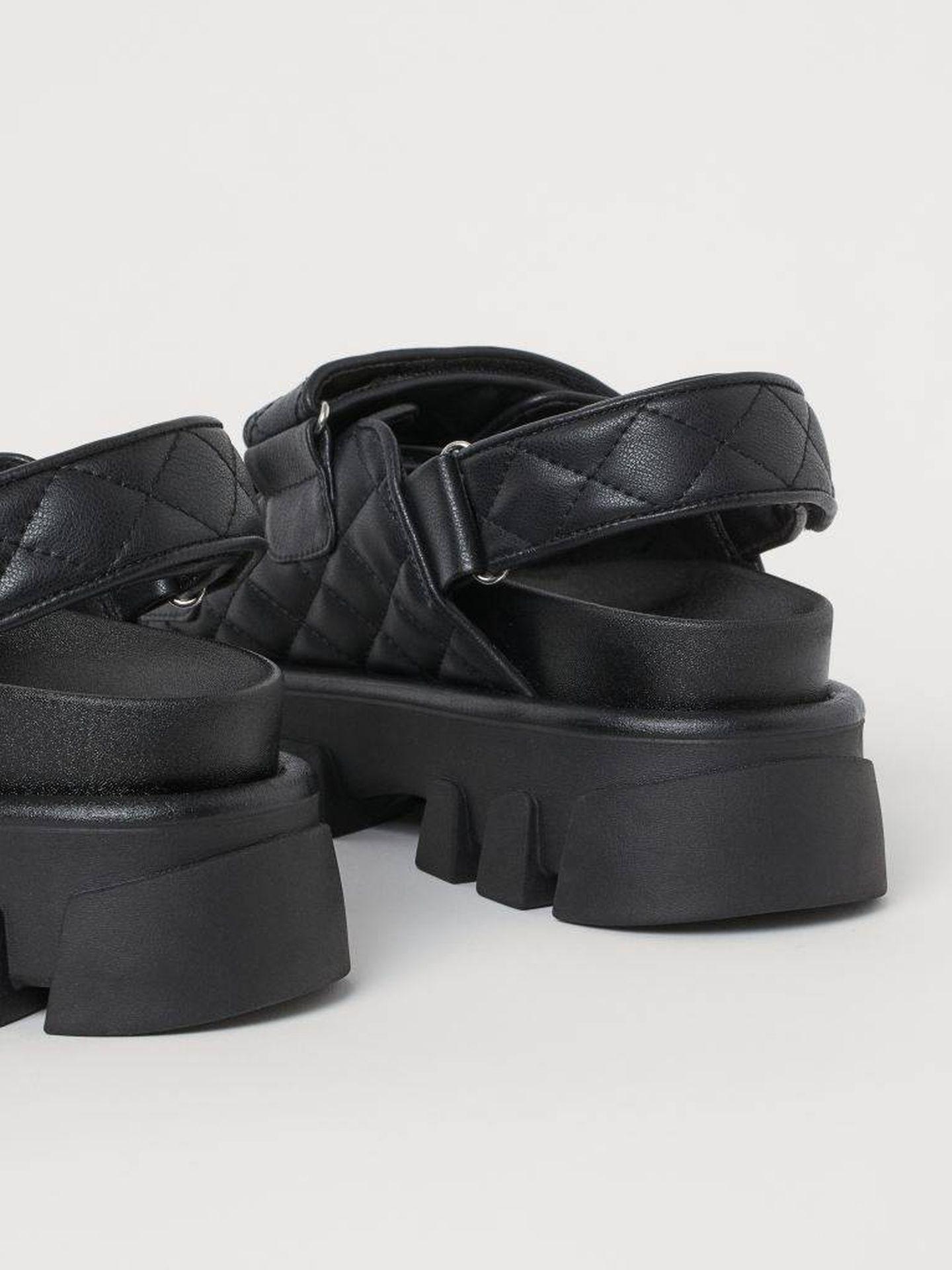 Las sandalias de HyM. (Cortesía)