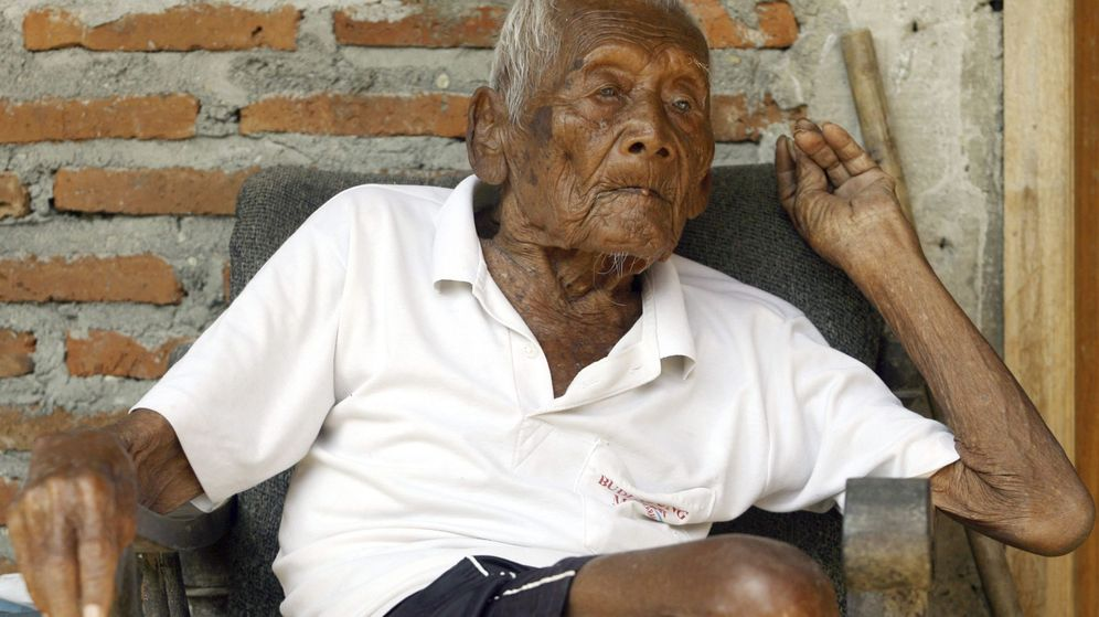 Foto: El hombre que sostiene ser el más longevo del mundo. (EFE)