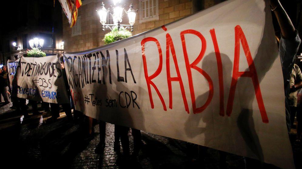 Foto: Concentración independentista en Barcelona en apoyo a los CDR detenidos. (EFE)