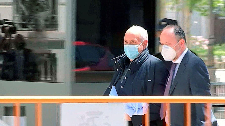 Captura de una señal de vídeo que muestra al productor José Luis Moreno a su salida de la sede de la Audiencia Nacional en Madrid. (EFE)